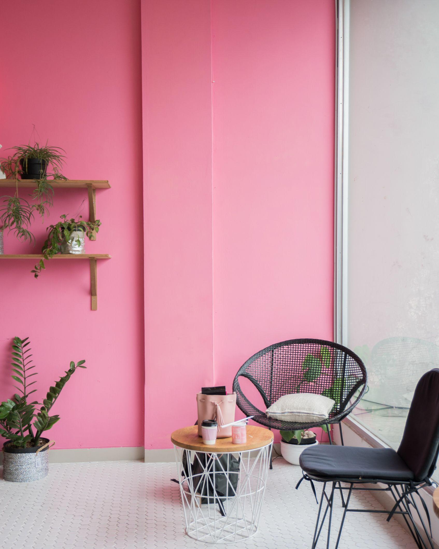 ffdbe4a67af4f8 modne kolory scian w mieszkaniu millennial pink roz pomysly aranzacje  inspiracje dekoportal