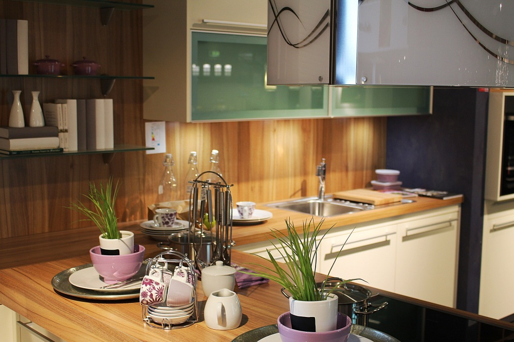 деревянная столешница, кухня с деревянной столешницей, деревянная столешница на кухне