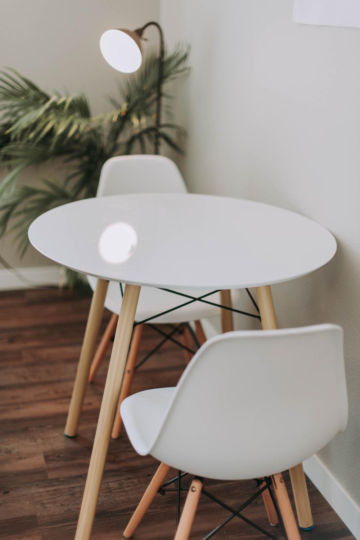 столовая в блоке, стол в гостиной в блоке, какой стол для гостиной в блоке