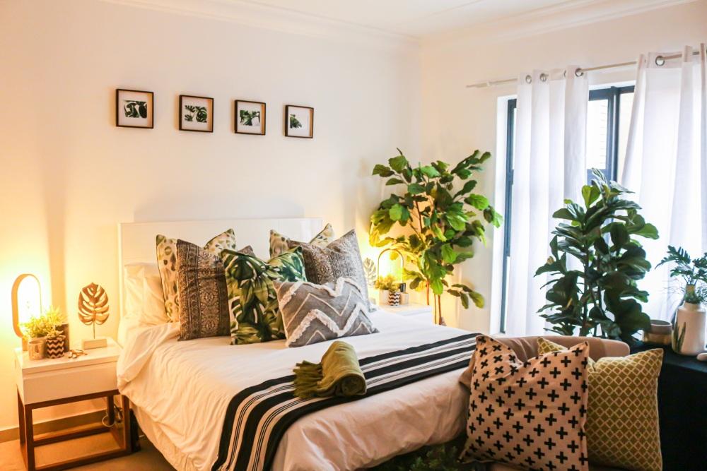 большие цветы для спальни, растения, которые очищают воздух, какие растения давать в спальне