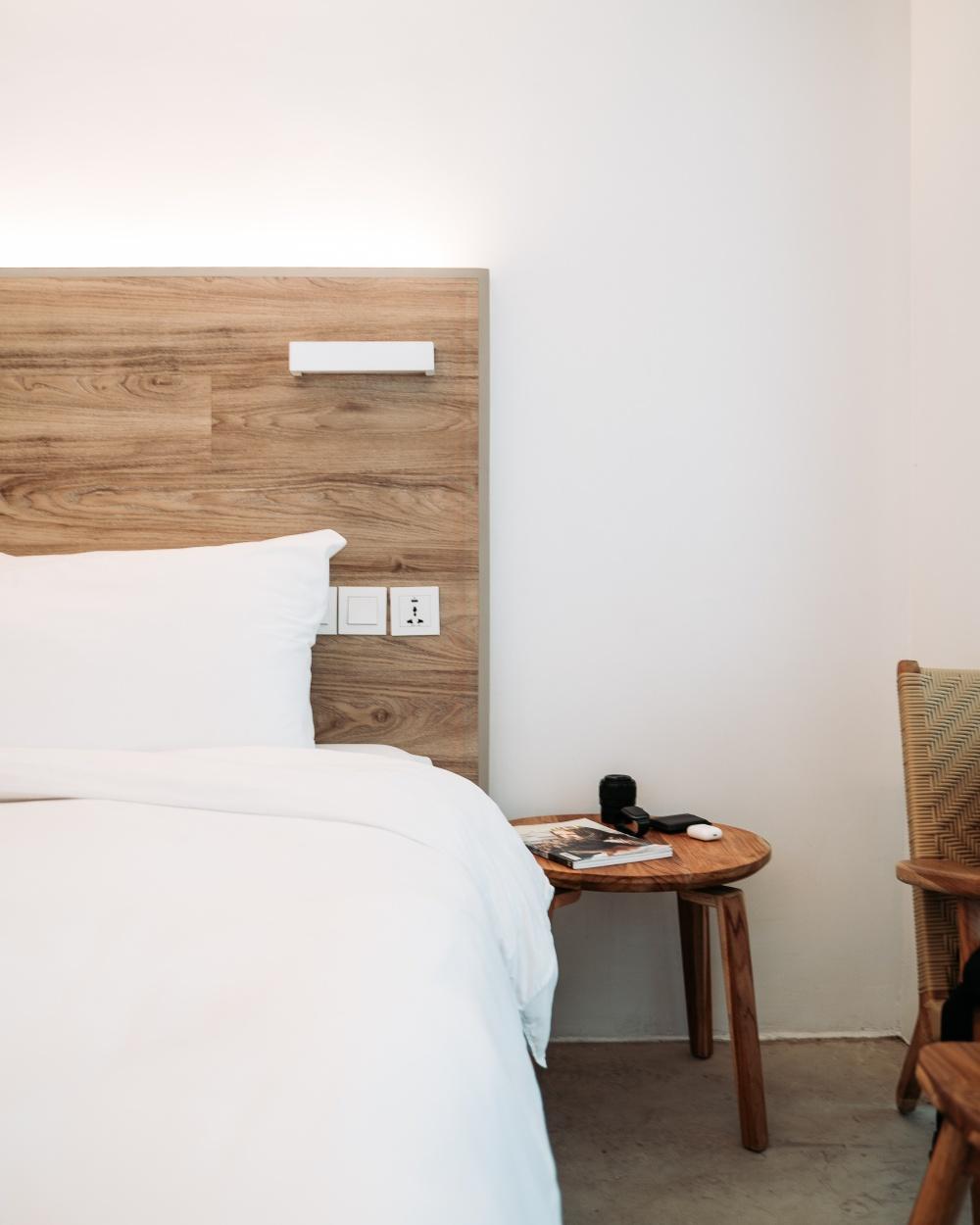 Кровать в скандинавском стиле, мебель для спальни в скандинавском стиле, особенности скандинавского стиля