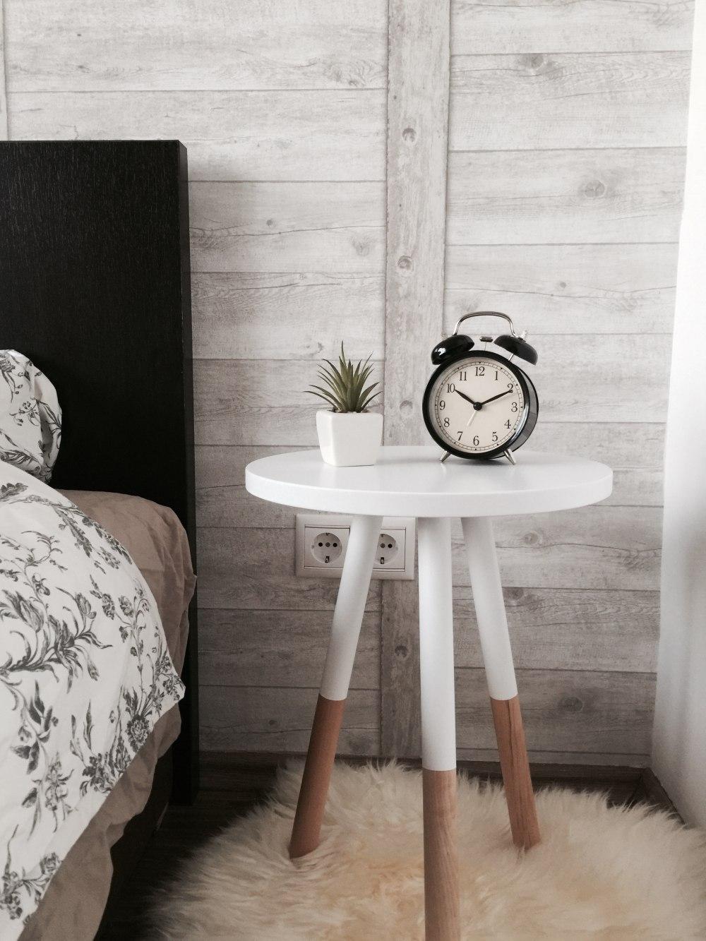 стиль Сканди в спальне, серый в спальне, цвета для спальни Сканди