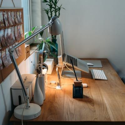 Jakie lampy do biura? Wybieramy oświetlenie do biura i